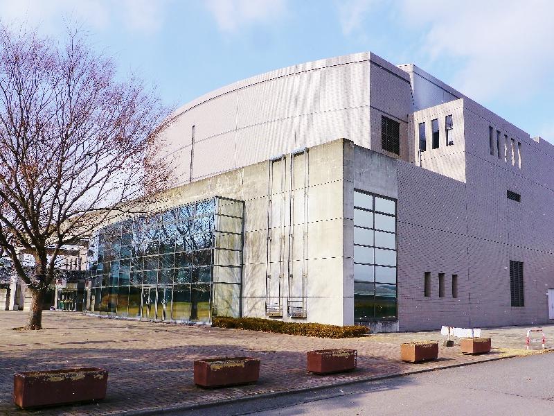 熊本市立図書館6.6km(車7分)