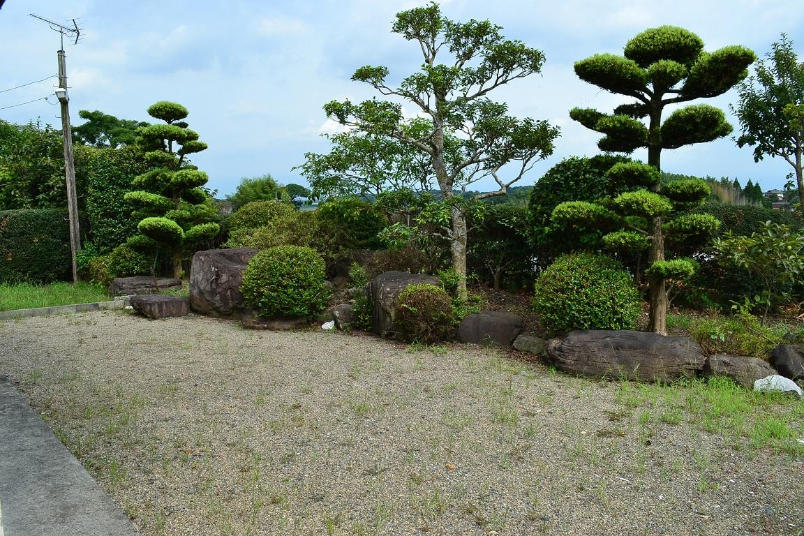 天然温泉付き中古住宅物件庭園です。