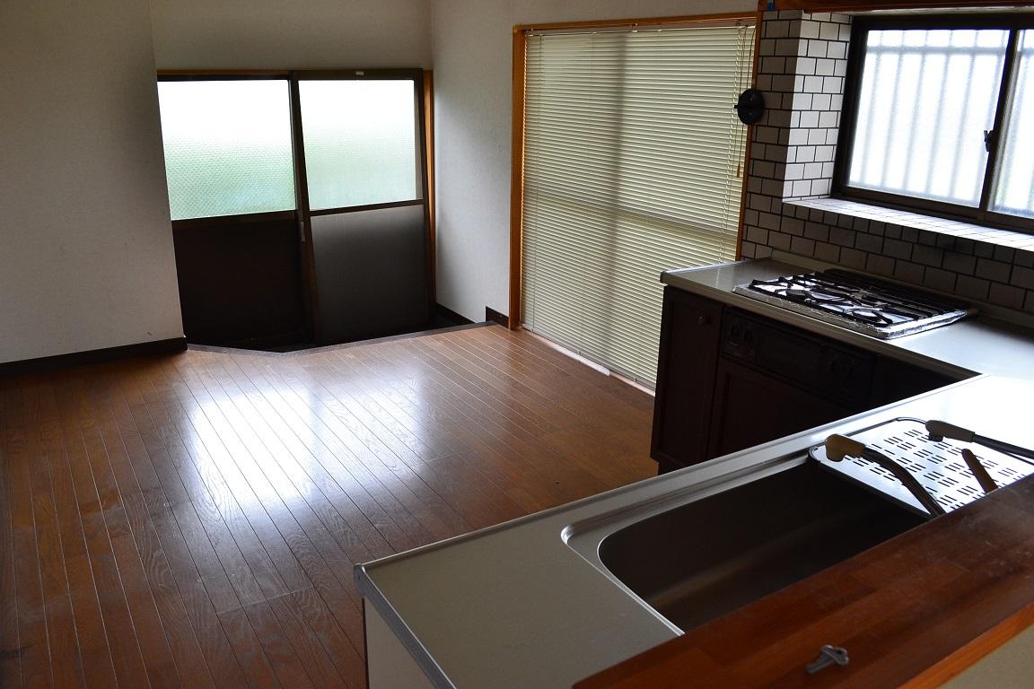 天然温泉付き中古住宅物件キッチンです。