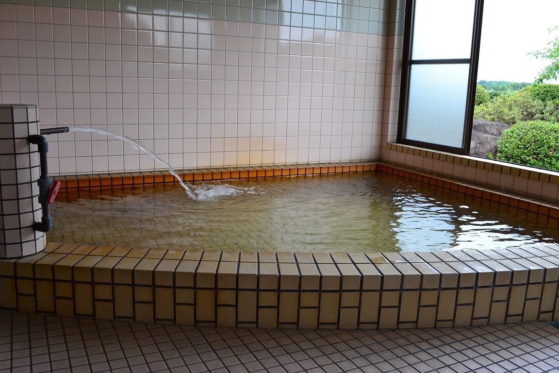 天然温泉付き中古住宅物件お風呂です。